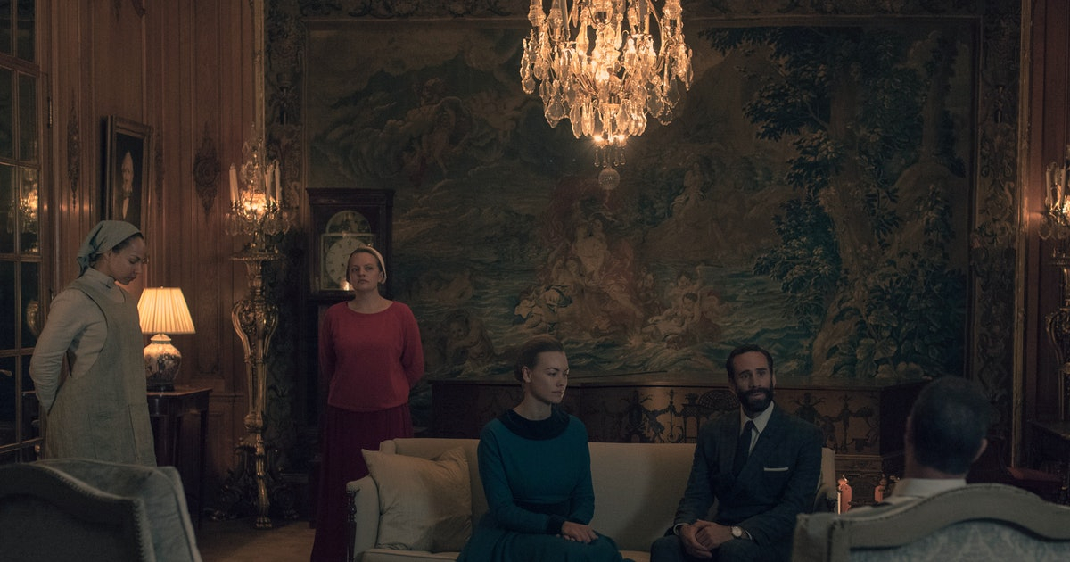 Chris Meloni's 'Handmaid's Tale' Character Is The More Sinister Than Aunt Lydia & The Waterfords Combined