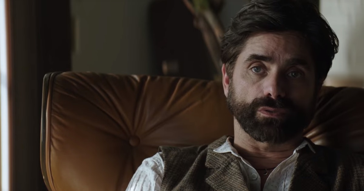 John Stamos Confirmed His 'YOU' Season 2 Return, So There Might Be More Therapy In Joe's Future