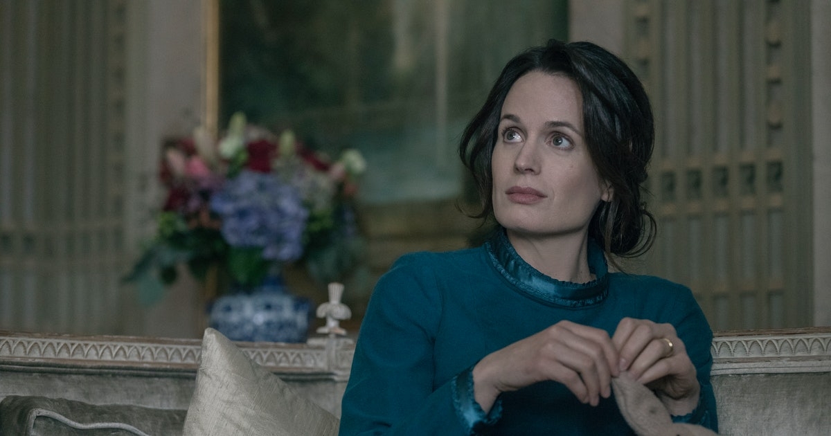 Elizabeth Reaser's 'Handmaid's Tale' Character Could Turn Serena To The Dark Side For Good
