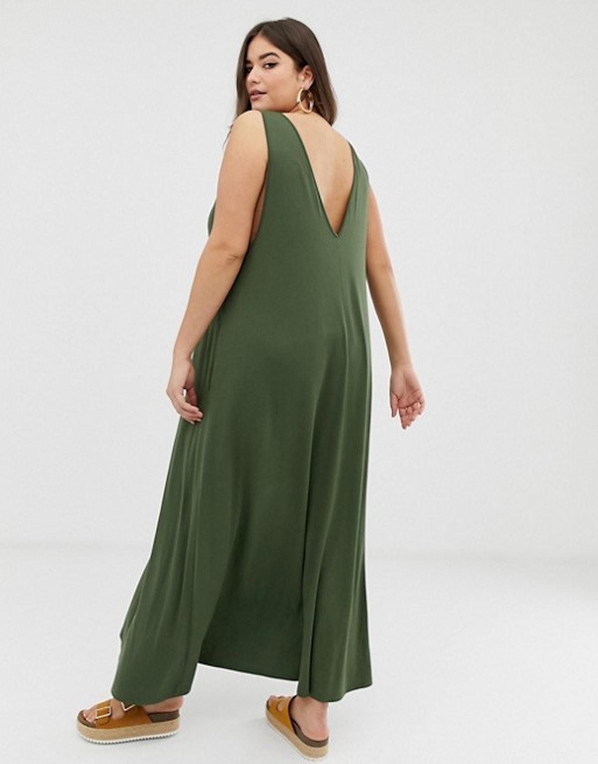 ASOS DESIGN Curve Plunge Trapeze Maxi Dress