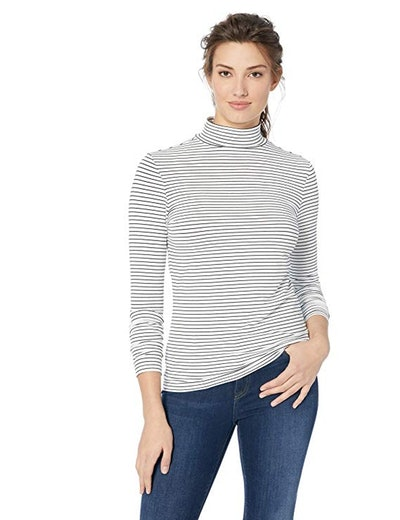 Amazon Essentials Classic-Fit Long-Sleeve Mockneck Top