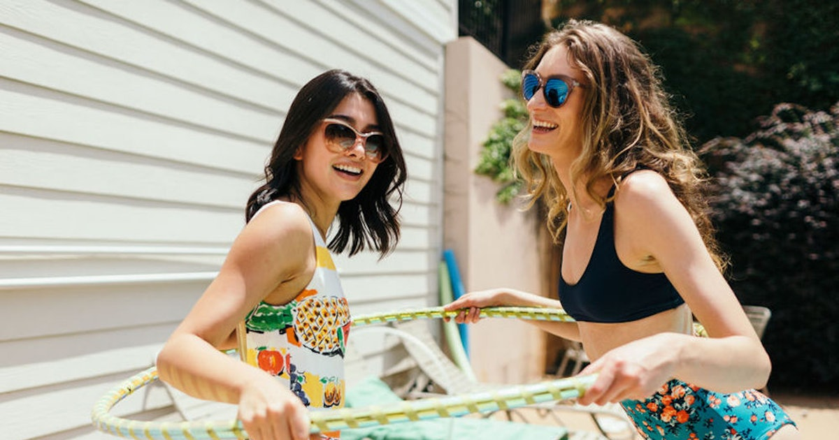 Having A Low-Maintenance Friendship In Your 20s Is Exactly What You Need