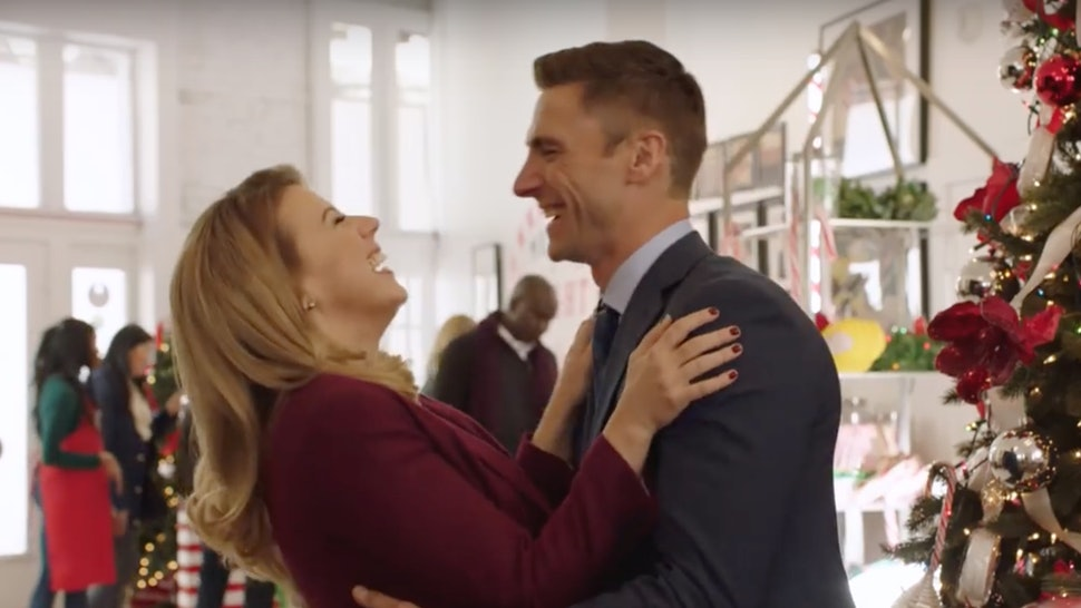 Christmas In July Hallmark.Hallmark Channel S First 2019 Christmas Movies To Premiere