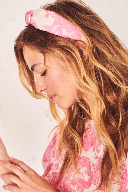 LoveShackFancy x Lele Sadoughi Knotted Headband - Pink Gem