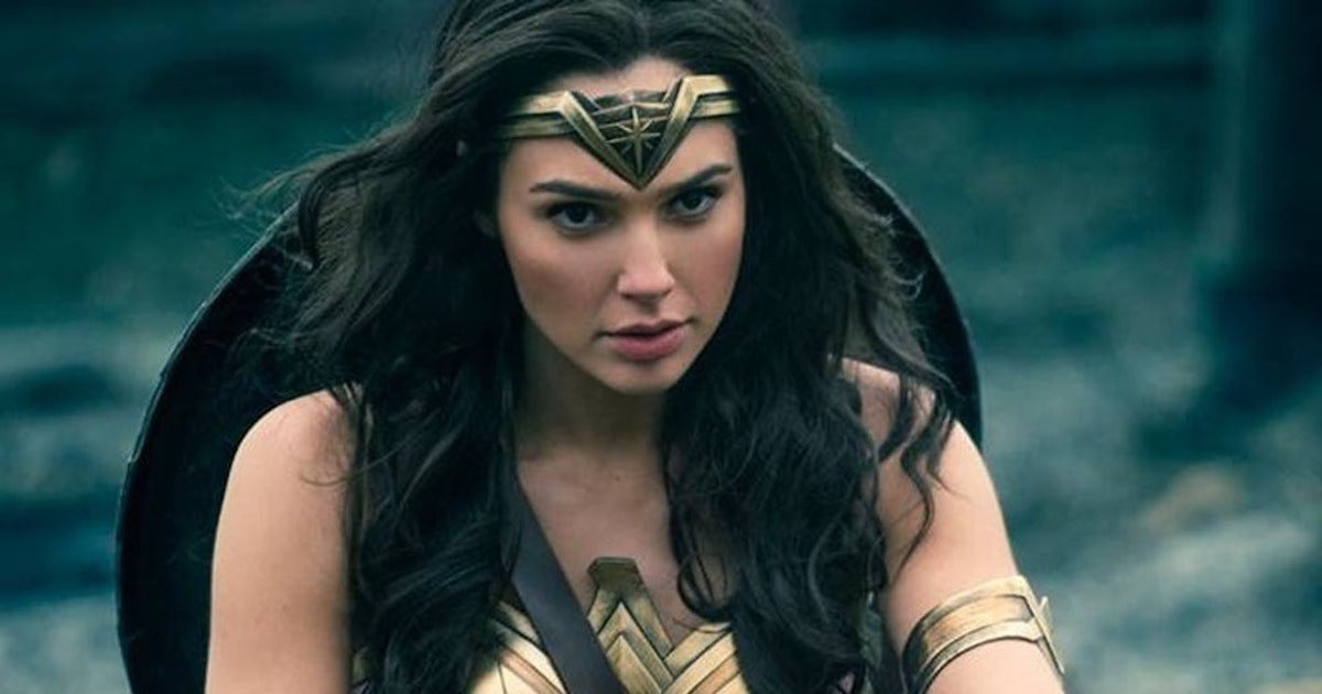 The New 'Wonder Woman 1984' Poster Has Twitter Theorizing About Her Golden Costume - PHOTO