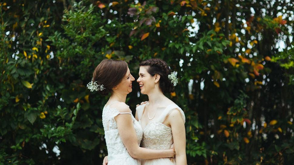 35 Non-Religious Wedding Readings That Show Off Your