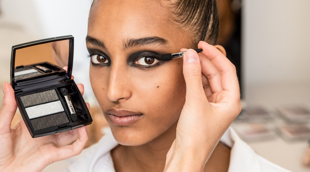913ca14e5f Dior Haute Couture Fall/Winter 2019's Makeup Featured This Easy ...