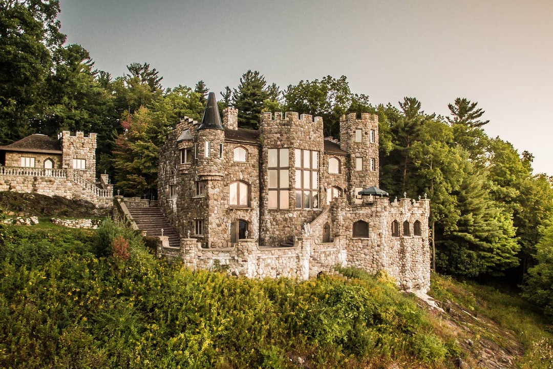 5 Castle Rentals On Airbnb Tha...