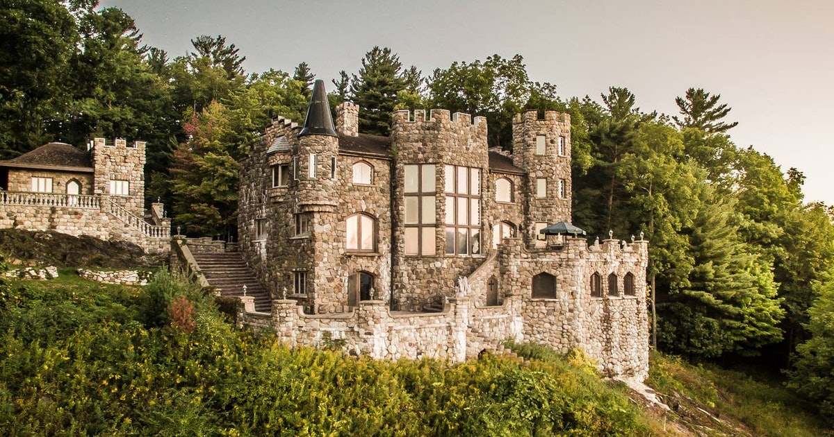 5 Castle Rentals On Airbnb That'll Give You A Taste Of Royalty