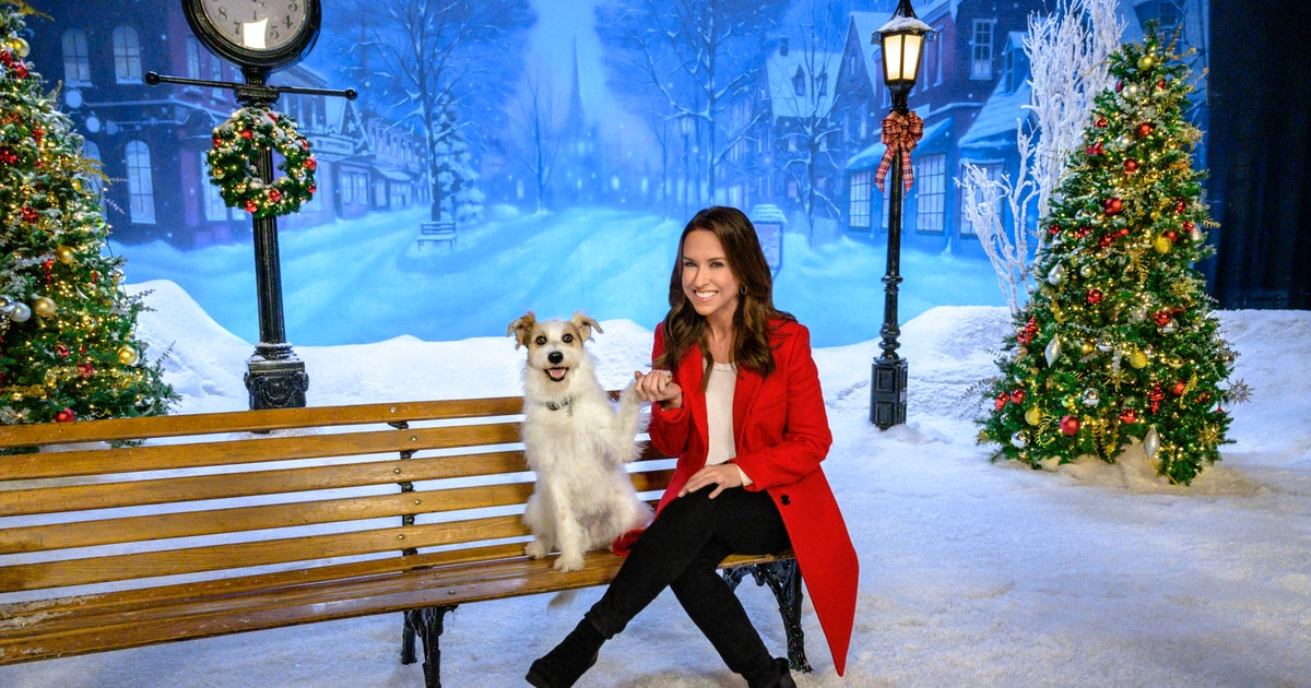 The Christmas In July Hallmark Lineup Will Keep You Entertained This Summer