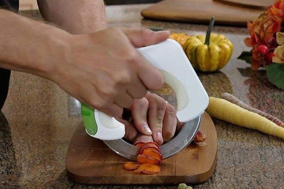 My Kitchen Essentials Circular Rolling Knife