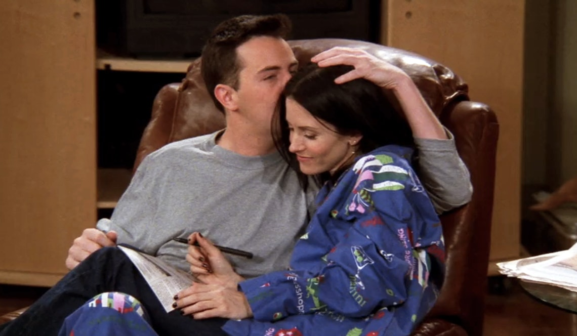 What season do monica and chandler start dating