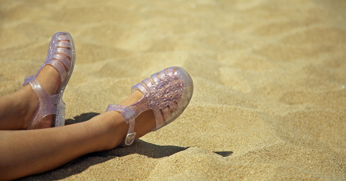 The Best Eco-Friendly Jelly Shoes, Because This Plastic Footwear Can Harm The Environment