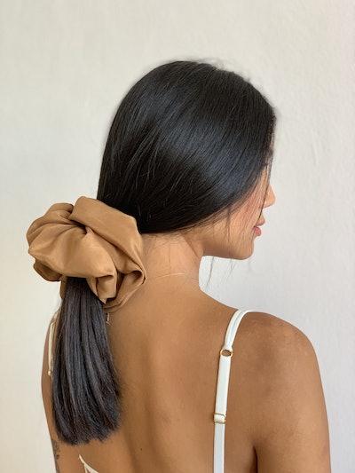 Giant Scrunchie - Silk Bronzed Peach