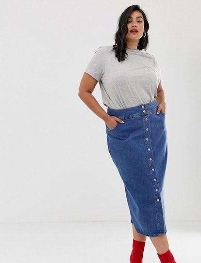 ASOS Design Curve Denim Midi Skirt With Poppers In Midwash Blue