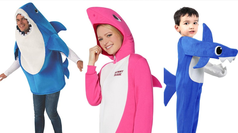 Family Of 4 Halloween Costumes 2019.Baby Shark Family Halloween Costumes Already Exist You Re