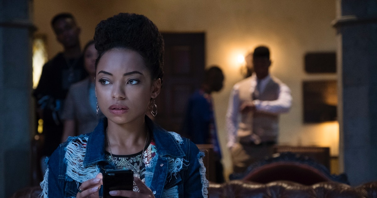 "The 'Dear White People' Season 3 Trailer Teases A ""New Vibe"" & More Mysterious Details About The Order — VIDEO"