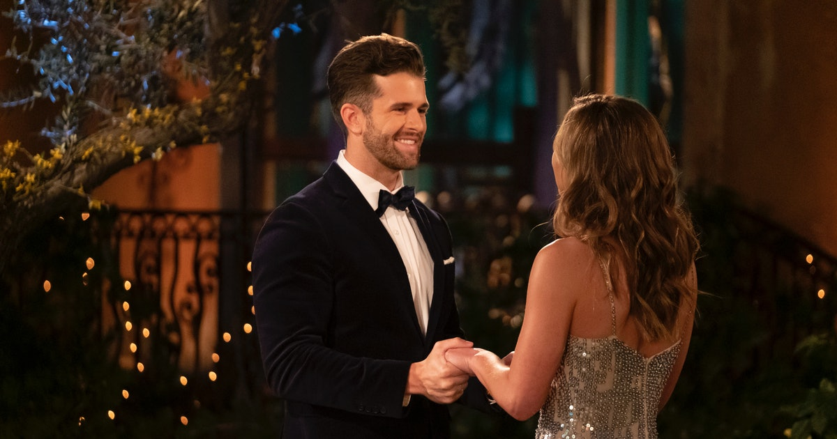 Jed's Family On 'The Bachelorette' Is Setting Off Major Alarm Bells