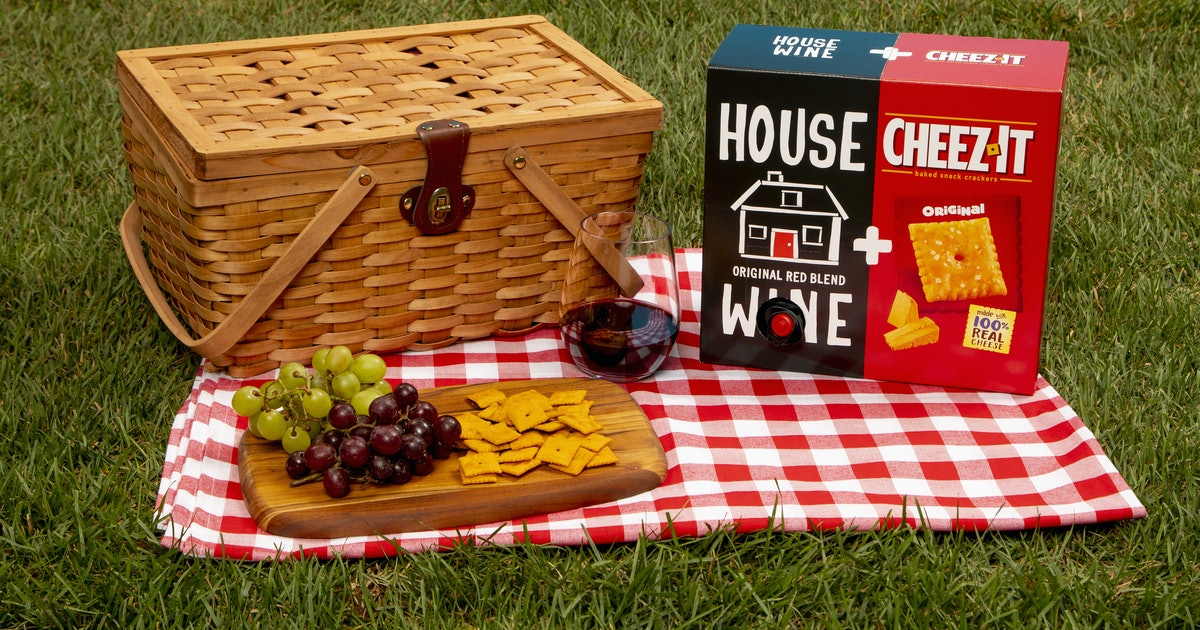 These House Wine & Cheez-It Boxes Are The Ultimate Happy Hour Pairing