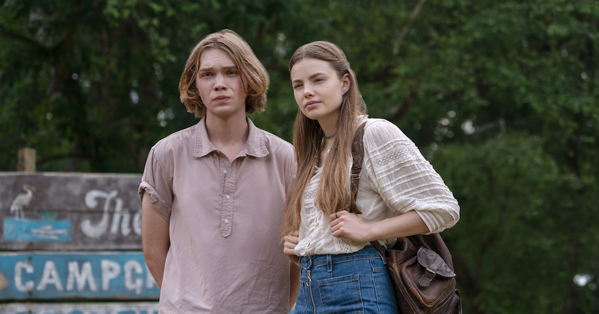 Hulu's New 'Looking For Alaska' Photos Are A First Look At Your Favorite Couple From The Beloved Novel