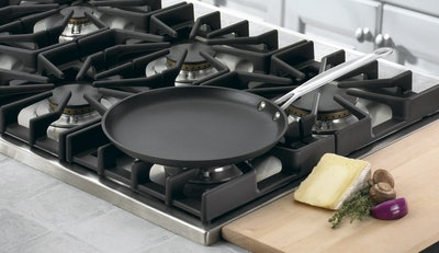 Cuisinart 623-24 Chef's Classic Nonstick Hard-Anodized Crepe Pan (10-Inch)