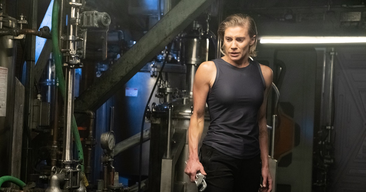 Will 'Another Life' Return For Season 2? It's Like Every Sci-Fi Story Rolled Into One