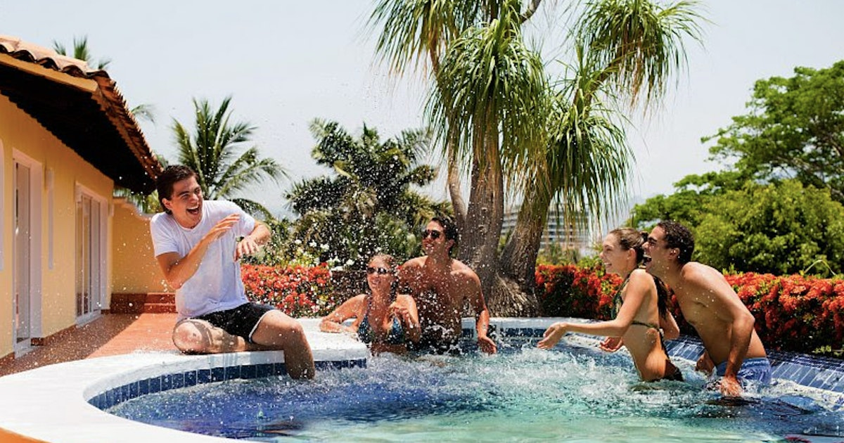 What Is A Buddymoon? These Resorts Specialize In Honeymoons With Your Friends
