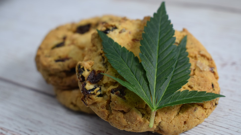 4 Ways People Consume Marijuana Without Smoking