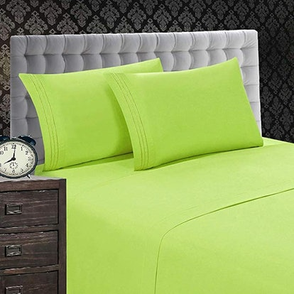 Elegant Comfort 1500 Thread Count Luxury Egyptian Quality Wrinkle and Fade Resistant 4-Piece Sheet Set