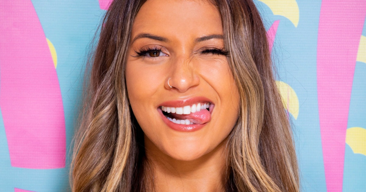 Who Is Emily On 'Love Island'? The New Islander Has An Uphill Battle To Find Love