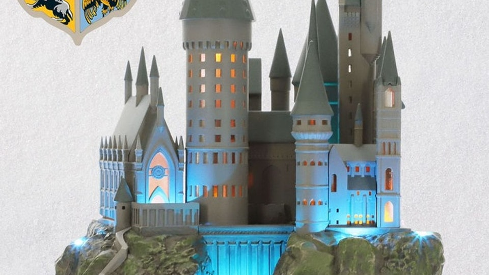 This Harry Potter Hogwarts Tree Topper Will Brighten Up