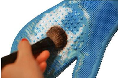 Caresse Makeup Brush Cleaning Glove