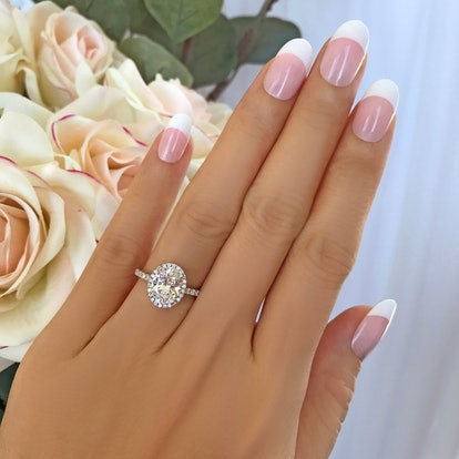 2.25 ctw Classic Oval Halo Ring