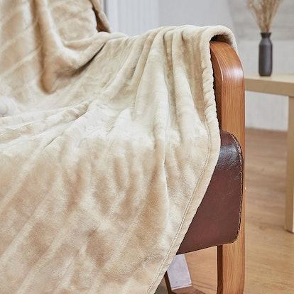 Bertte Plush Velvet Throw Blanket
