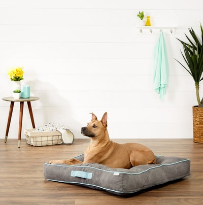 Frisco Tufted Lounger Square Dog Bed