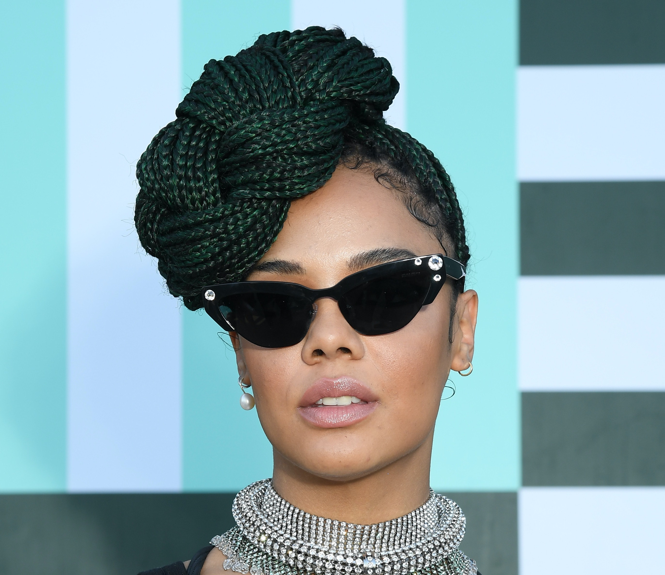 12 Box Braid Hairstyles For Summer That Aren T A Boring Ponytail