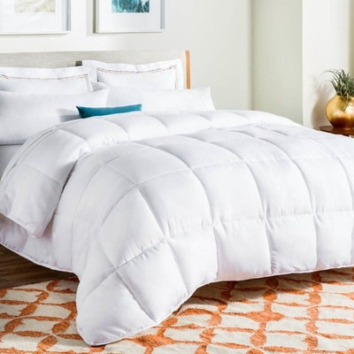LinenSpa Down Down Alternative All-Season Quilted Comforter