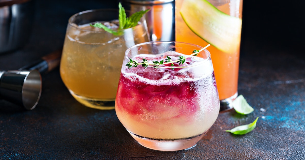 6 Fall Cocktails For A Crowd That Are Anything But Cliché
