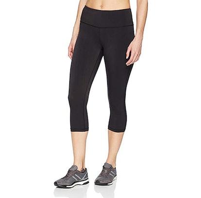 Amazon Essentials Women's Performance Mid-Rise Capri Active Legging