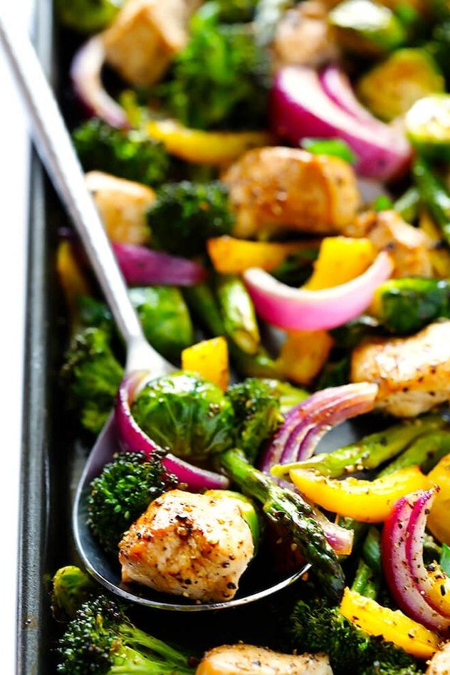 image of gluten-free sheet pan recipe, closeup, of chicken veggie and onion stir fry