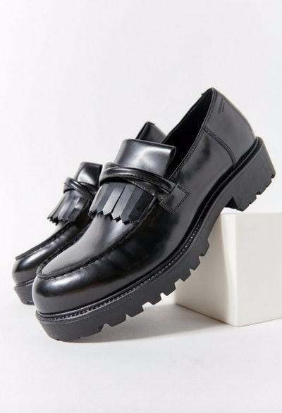 Kenovas Fringe Loafers