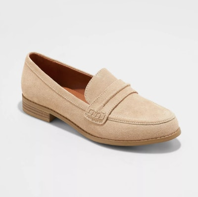 Universal Thread Women's Aanmae Suede Closed Back Loafers
