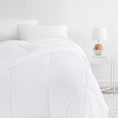 AmazonBasics Down Alternative Bed Comforter