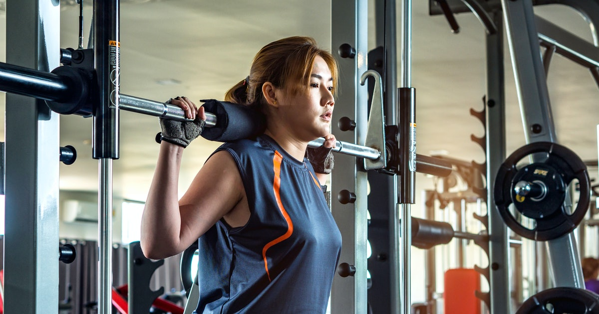 What To Know Before Weightlifting For The First Time If You're Nervous To Try