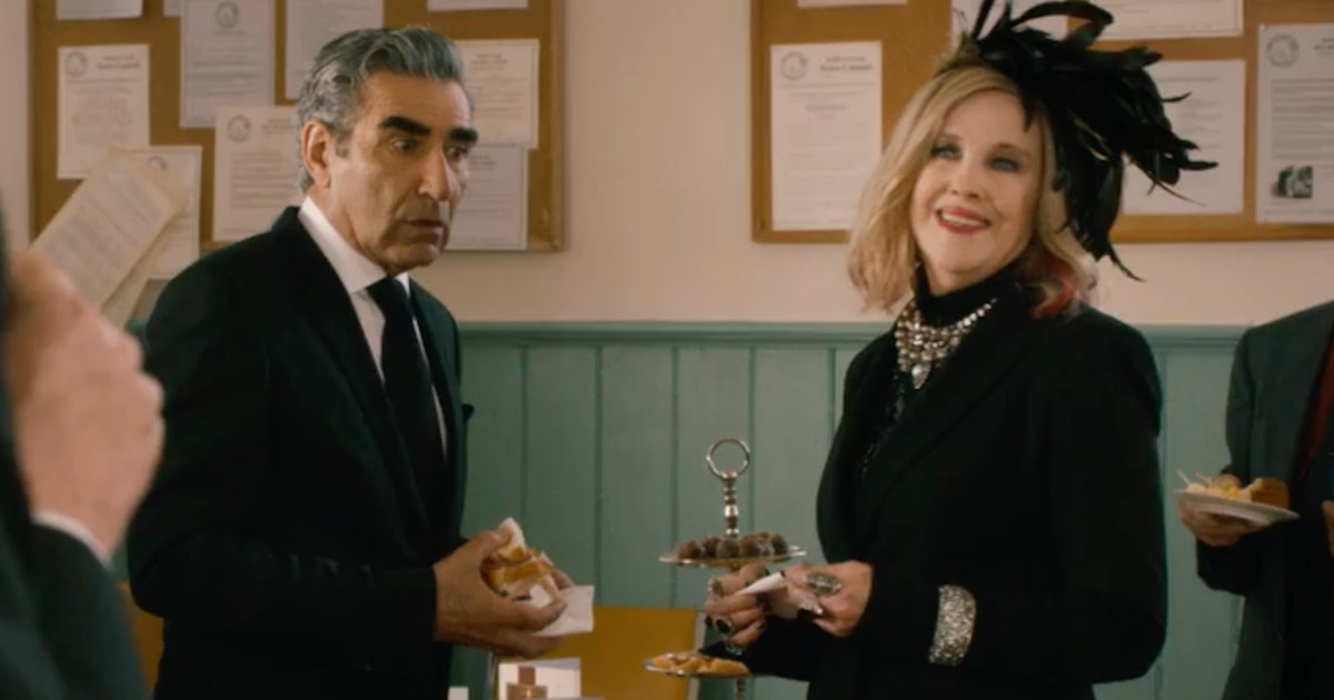"This 'Schitt's Creek' Blooper Reel Includes An Extended Version Of Moira's ""Danny Boy"" — VIDEO"