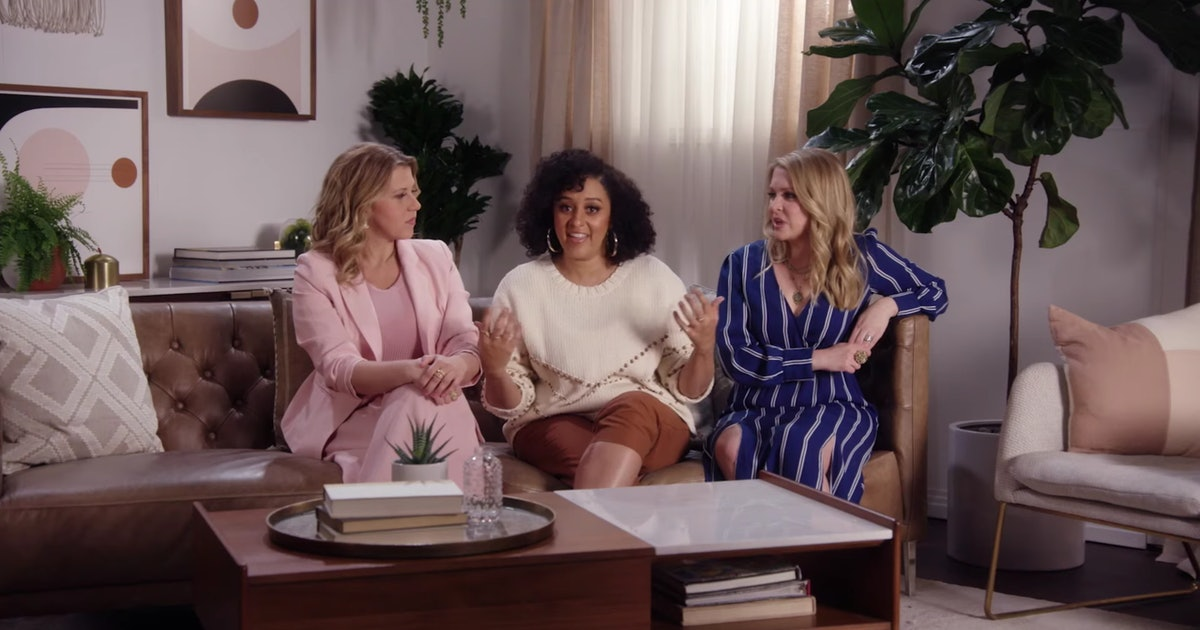 Tia Mowry Reveals She Ate Her Sister's Placenta While Playing Never Have I Ever With '90s Stars
