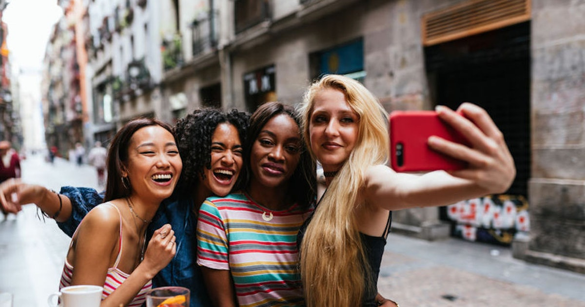 40 WhatsApp Group Names For Friends, Because You're Traveling The World