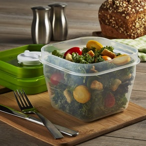 Fit & Fresh Salad Shake Reusable Plastic Container With Dressing Dispenser