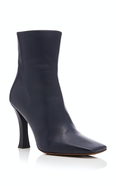 Ionopsis Leather Ankle Boots inNavy