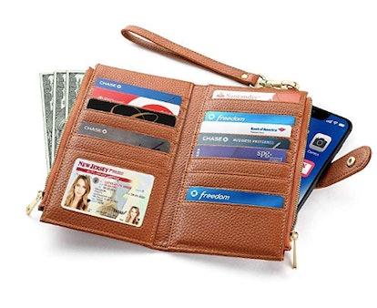 Claasico RFID Blocking Bifold Wallet